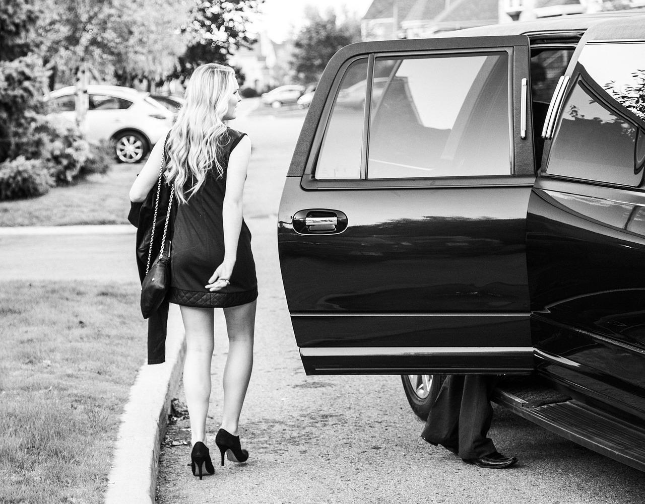 proms chauffeur