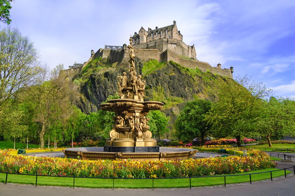 visit-britain-edinburgh-castle
